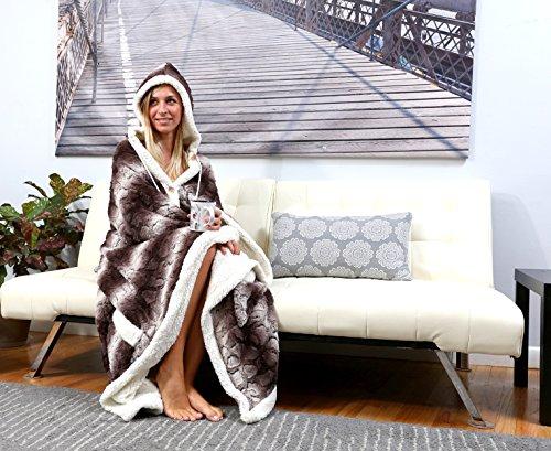 Chic Home Derek BRAND NEW!! Ultra plush sherpa lined Snuggle up animal print hoodie wearable blanket 51'x71' Robe Brown