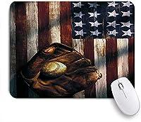 GUVICINIR マウスパッド 個性的 おしゃれ 柔軟 かわいい ゴム製裏面 ゲーミングマウスパッド PC ノートパソコン オフィス用 デスクマット 滑り止め 耐久性が良い おもしろいパターン (野球グローブボールアメリカの国旗の背景アメリカのスポーツ文化)