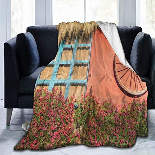 TARTINY Granero Madera Rueda De Carro Casa De Campo En Ecuador Ventana De Pared Roja Flores De Verano Techo De Paja Twin/Double (150x200cm) Manta de Franela Ligera y cálida Suave