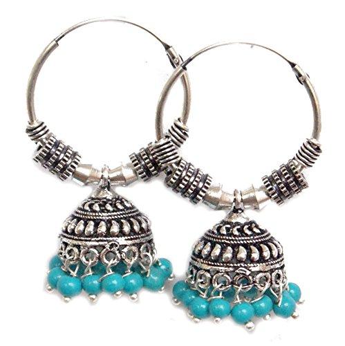 Pahal - Pendientes de aro de plata con perlas azules oxidadas y pequeñas de color azul claro