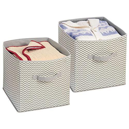 mDesign – Juego de 2 cajas organizadoras de tela con asas – Cajas de almacenaje para armarios y estanterías de color gris pardo – Organizadores de ropa, sábanas, toallas y juguetes