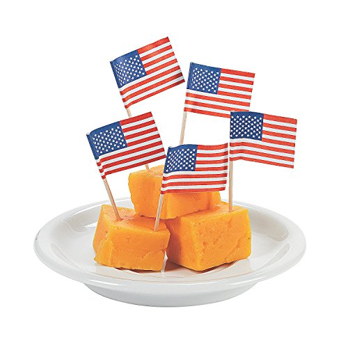 Fun Express - Usa Flag Cake Picks for Fourth of July - Party Supplies - Serveware & Barware - Picks & Stirrers & Parasols - Fourth of July - 144 Pieces