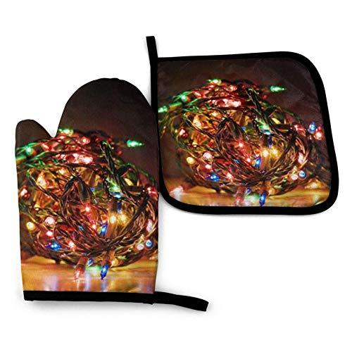 Juegos de manoplas para horno y soportes para ollas, alfombrillas seguras para mostrador de manoplas de cocina con resistencia avanzada al calor, luces de Papá Noel, forro de algodón, guantes antidesl