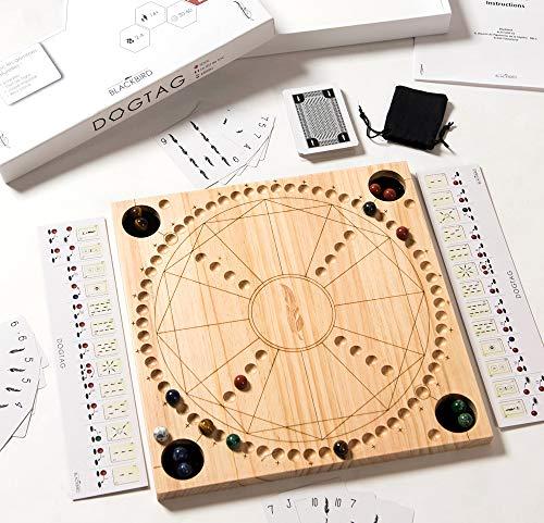 DOGTAG - 2 bis 4 Spieler - Der Klassiker aus der Schweiz im modernen Design - DOG Holz Brettspiel in 33 x 33 cm - Inklusive 17 Halbedelsteine