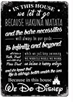 この家では、ディズニーブラックウォールメタルポスターレトロプラーク警告ブリキサインヴィンテージ鉄絵画装飾オフィスの寝室のリビングルームクラブのための面白いハンギングクラフト