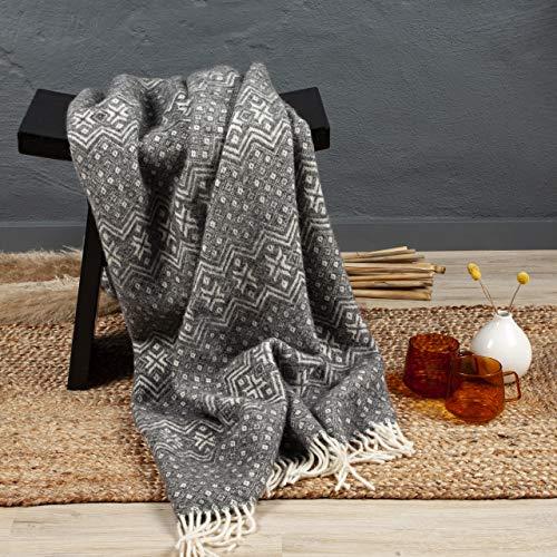 ARCTIC Manta de lana Nordic de alta calidad con patrón noruego en diseño Scandi, 100% lana virgen con sello Woolmark (130 x 200 cm), color gris