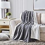 Hansleep Sherpa Decke Sofa 130 x 165cm Grau und Weiß Wohndecke Zweiseitige Kuscheldecke Warm Sofadecke/Couchdecke Mikrofaser Sofaüberwurf Superweich & Flauschig Fleecedecke für Couch Bett & Sofa