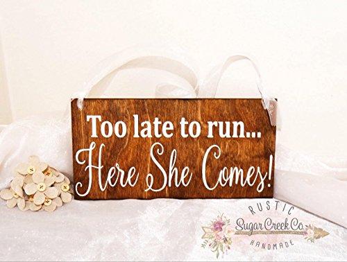 Norma Lily zu spät to Run Hier Kommt Sie Hochzeit Schild Schilder Flower Girl Ring der Schild Fun Hochzeit Schilder Hier Kommt die Braut