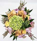 Ramo de flores frescas color pastel y hortensia