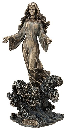 Yemaya–Mutter der alle stehend auf Ocean Wave Statue