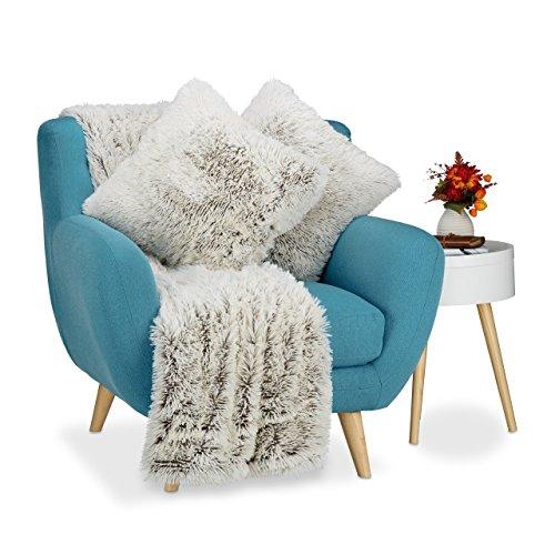 Relaxdays Kuscheldecke mit 2 Kissen, 3 tlg. Set, Tagesdecke Felloptik, Sofakissen Kunstfell, Wohndecke xxl, weiß-braun