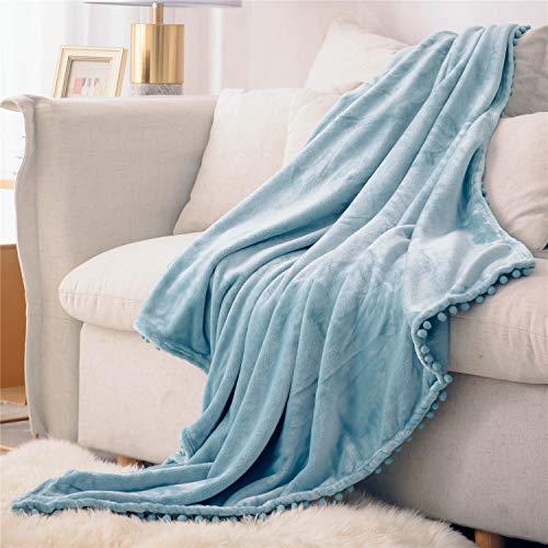 DEZENE Manta de Franela con Pompones, Manta de Felpa Suave para Sofá Cama, Manta Gruesa y Esponjosa, Manta de Felpa de Franela,130 x 150cm,Azul Claro