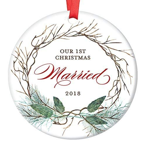 Fr75en 1st Year Married Ornament, 2019 Christmas Ornament for Newlywed Couple, First Xmas Ornaments for the Bride & GroomPresent Keepsake