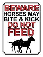 馬に噛まれたり蹴られたりしないように注意してください 金属板ブリキ看板警告サイン注意サイン表示パネル情報サイン金属安全サイン