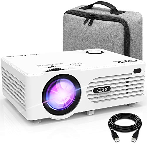 Proyector QKK 4500 Lumen Soporta 1080P Full HD, Proyector Mini con Bolsa de Transporte, Proyector Video Compatible con los TV Stick PS4 PC HDMI VGA SD AV y USB, Proyector Teatro en Casa, Blanco.