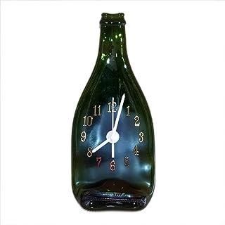 Reloj de pared con botella de cava verde números arábigos