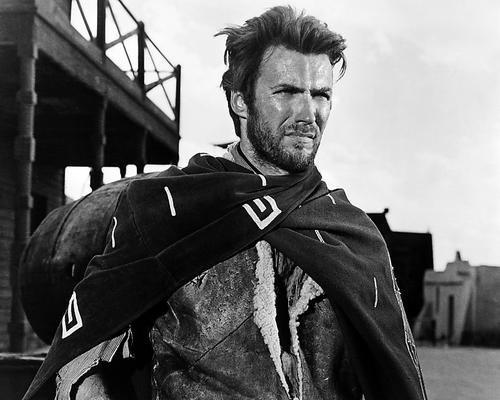 Nostalgia Store Clint Eastwood un puñado de dólares Iconic Poncho Pose 14x11 Fotografía promocional