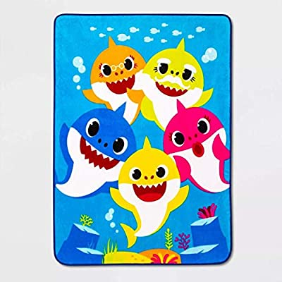 """baby Shark 46""""x60"""" Shark Bait Throw Blanket"""