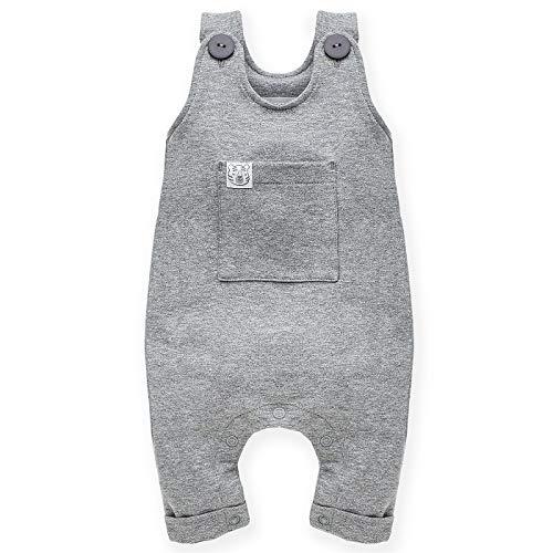 Pinokio Kinder Latzhose in Gr. 62-86 Wild Animals, lang | 75% Baumwolle, 20% Polyester, 5% Elasthan | Einteiler mit Druckknopfleiste im Windelbereich und aufgesetzter Tasche vorne