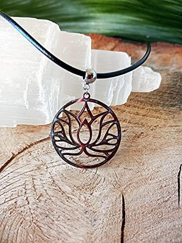 Collar con el símbolo de la Flor de Loto, Acero inoxidable y cordón de piel, Colgante yoga, Símbolo de Protección, Colgante Budista, Amuleto