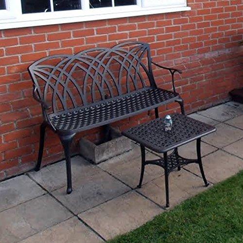 Lazy Susan – SANDRA Quadratischer Kaffeetisch mit 1 APRIL Gartenbank – Gartenmöbel Set aus Metall, Antik Bronze (Beiges Kissen) - 4