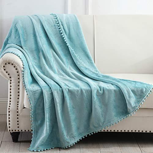 NordECO HOME Manta de Tiro de Franela - Manta cálida Suave y acogedora con Flecos de Pompones para sofá Cama sofá Silla, 127x152cm, Azul Turquesa