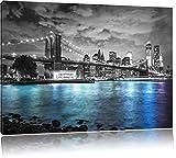 New York Skyline am Abend schwarz/weiß Format: 120x80 auf
