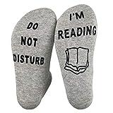"WINBST Calcetines para hombre y mujer, con texto ""DO NOT DISTURB I'm Reading"", un regalo ideal para ..."