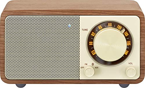 Oferta de Radio de escritorio portátil Sangean WR-7 (sintonizador FM-RDS, Bluetooth, entrada auxiliar, altavoz incorporado, batería recargable (recargable)), nogal