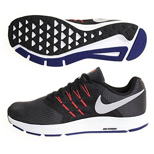 Nike Run Swift, Sneaker Uomo, Nero (Black/Matte Silver) (46 EU)