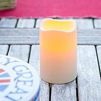 La lampadina color ambra imita il tremolio di una vera fiamma Altezza: 11,5cm Diametro: 7,5cm Richiede 2 batterie tipo C (non incluse nella confezione) Adatta all'uso in esterni Rivestimento Idrorepellente