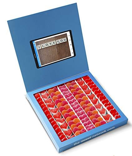 Snoepjes Doos Twitter 23x23cm met I LOVE YOU-bericht, binnenkant bevat 750 g Lovesnoep