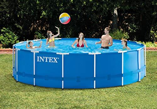 Intex Juego de piscina de 4,5 m x 122 cm con marco de metal sobre el suelo y cubierta de piscina de 4,5 m