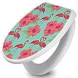 banjado Toilettendeckel mit Absenkautomatik | WC Sitz 44cm x 5cm x 37cm | Klodeckel weiß | Klobrille mit Edelstahl Scharnieren | Toilettensitz mit Motiv Flamingo Liebe