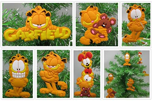Garfield Holiday Christmas Tree Ornament Set Featuring Garfield and Friends - Unique Shatterproof Plastic Design