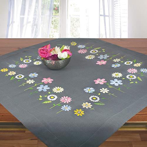 Stickpackung BLÜMCHEN, Tischdecken Set vorgezeichnet zum Sticken, Stickset mit Plattstich und Stielstich zum Selbersticken