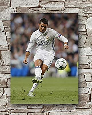 Huawuque Real Madrid Ronaldo 2017/2018 Season Poster Standard Size | 18-Inches by 24-Inches | Real Madrid Ronaldo Posters Wall Poster Print