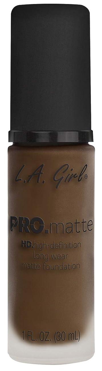 ボアアクセル全体L.A. GIRL Pro Matte Foundation - Chestnut (並行輸入品)