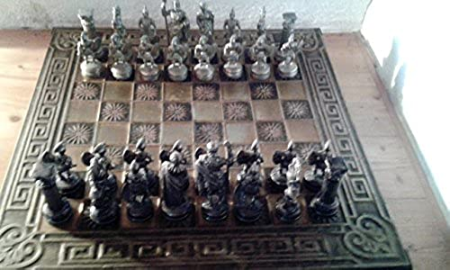 aus Griechenland Schachbrett mit Figuren (45x45cm)(Figuren Messing massiv)