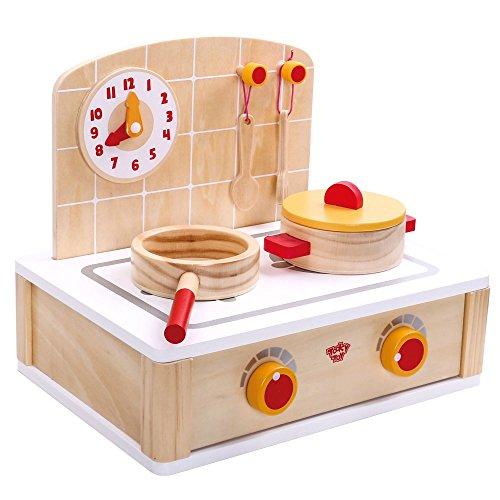 Cocinita de madera pequeña