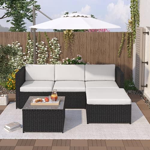 Polyrattan Garten Sofa Lounge, Sitzgruppe Lounge, Rattan Gartenmöbel Set mit Sofa, Glastisch und Hocker Gartenmöbe Loungel für Garten Balkon Terrasse (Schwarz)