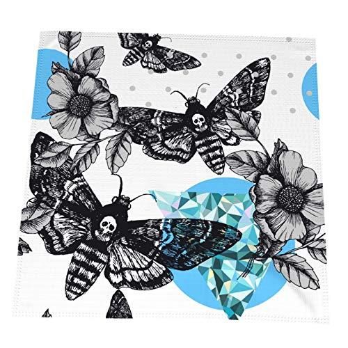 Ye Hua Death's Head Hawk Moth und Dog Roses Tischsets, Tischsets aus Polyester, rutschfeste waschbare Kaffeematten, hitzebeständige Küchentabletten 4er-Set