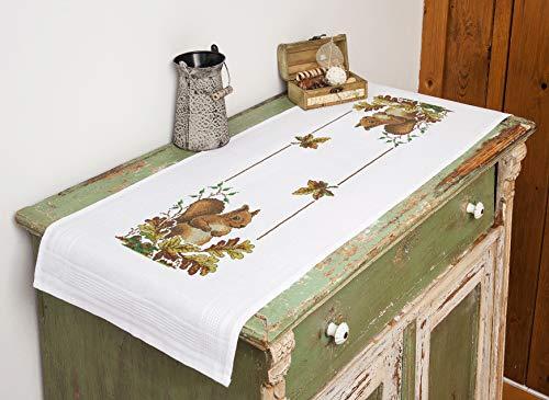 Kamaca Stickpackung Tischdecke EICHHÖRNCHEN Kreuzstich vorgezeichnet aus Baumwolle Stickset mit Stickvorlage (Tischläufer 40x100 cm)