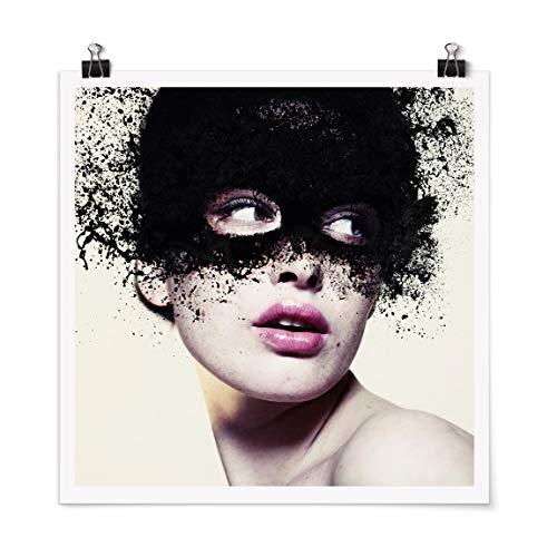 Poster Das Mädchen mit der schwarzen Maske Quadrat, Glänzend 30 x 30cm