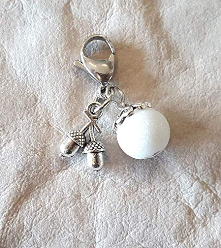 Charm ☘ Trachtenschmuck ☘ weiße Perle, geschliffen ☘ Anhänger ☘ Karabiner ☘ Bettelarmband ☘ Schlüsselanhänger ☘ Accessoires ☘ Oktoberfest ☘Eicheln