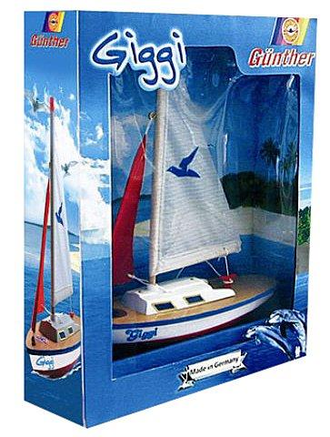 Paul Günther 1802 - Segelboot Giggi, kleine Segeljolle zum Spielen, ca. 24 x 32 cm groß, hochwertig gefertigt und segelfertig montiert, für Badesee, Strand und Badewanne