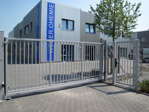 Schiebetor Industrie Leicht 6x1,7m inkl. Elektroantrieb