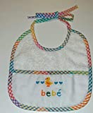 Babero bordado a punto de cruz Bebe Patito HAPPY COLORS BY INMA