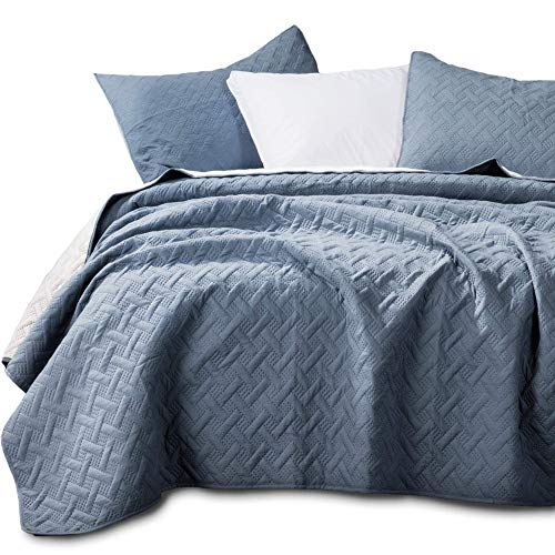 Kasentex Quilted Coverlet 3-pc Mini Bedding Set-All Season Lightweight Ultra Soft Stone Washed Blanket-Heat-Pressed 2-Tone Reversible Color, Full/Queen + 2 Shams, Indigo Light/Cement Grey