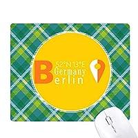ベルリン地理座標 緑の格子のピクセルゴムのマウスパッド